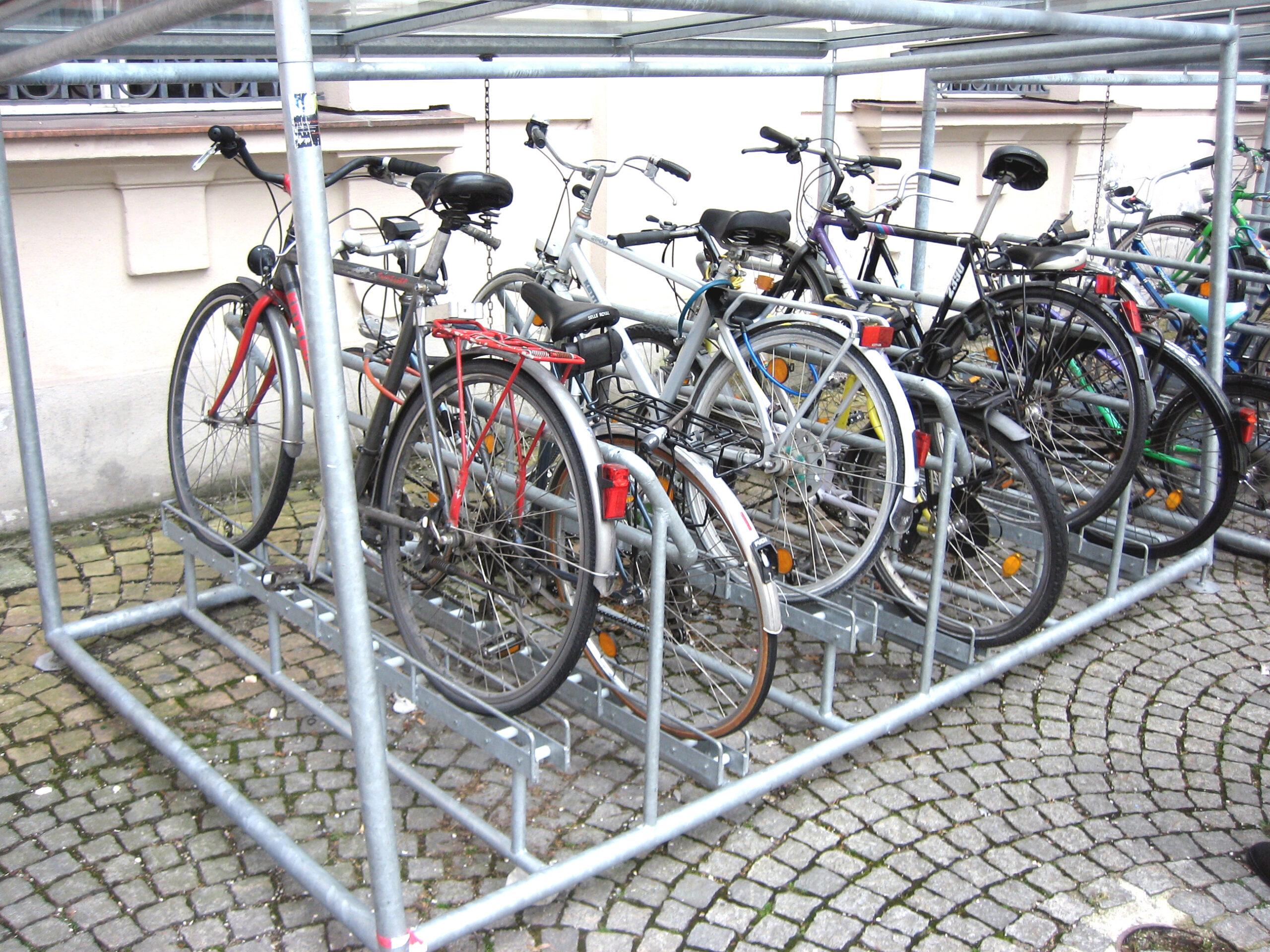 aparcabicicletas curvado en Munich