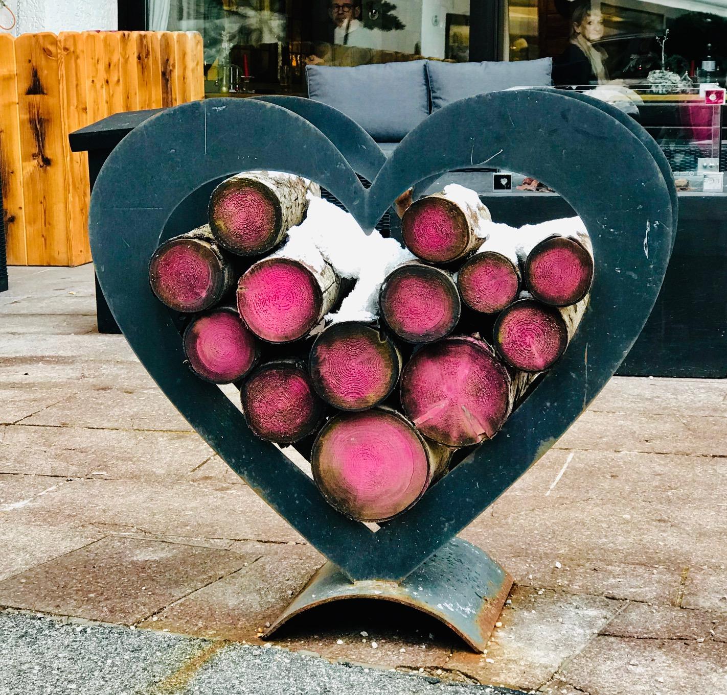 chapa curvada en forma de corazón